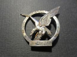 Insigne - Droit Dessus - 11 E Brigade - Blindé Léger - Arthus Bertrand - - Landmacht