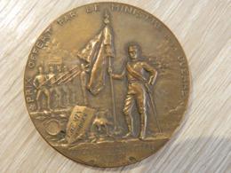 MEDAILLE REALISEE PAR HENRI DUBOIS POUR LE MINISTERE DE LA GUERRE EN 1897 CONCOURS D'INSTRUCTION MILITAIRE - Francia