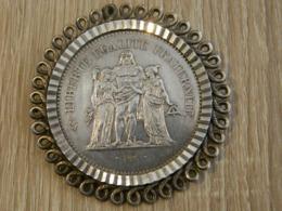 PIECE DE 50 FRANC HERCULE DE 1974 MONTEE EN PENDENTIF - M. 50 Franchi