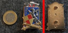 Insigne Armée Française 35° RAP Régiment D'Artillerie Parachutiste BALME N°547 à Tarbes - Landmacht