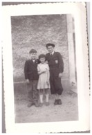 """UN JEUNE HOMME DES """"CHANTIERS DE JEUNESSE Ou Scout ?"""" ET DEUX ENFANTS   AVRIL 1955 - Guerra, Militari"""