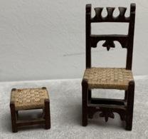 Mobilier Miniature—Une Chaise + Un Repose Pieds—Bois Et Ficelle—Années 1910/1920 - Hausrat