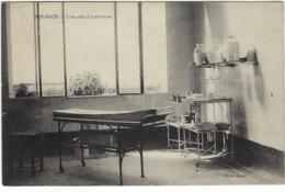44 Pen-bron  Une Salle D'operations - Francia