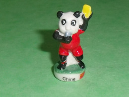 Fèves / Sports : Tous Fous De Foot , Chine    T124 - Sport