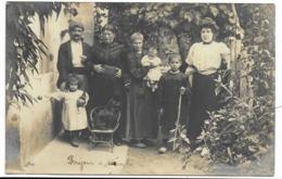 33-BOURG-SUR-GIRONDE-CARTE PHOTO-Famille Habitant Quartier Du Portier...1906  Animé - Francia