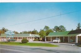 BOLIVIA , North Carolina, PU-1964 ; Green & White Motor Court, Classic Cars - United States