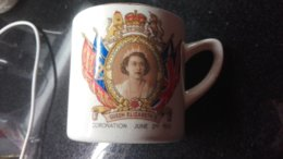 Mug Coronation Queen Elisabeth Elizabeth Burlington Pottery - Burlington