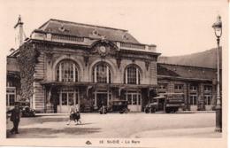 CPA 88  VOSGES - SAINT-DIE   La  Gare  -  Animée, Voitures, Camion Vin Eugene Rogovitz Moyenmoutier. - Saint Die