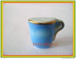 Clamecy  ...Heure Du Thé , Tasse à Thé Bleue ..  Ref AFF : 45-2004 ..(Boite1) - Oude