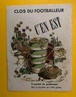 12266 - Clos Du Footballeur C'en Est Propriété Du Goalkeeper Mise En Bouteille Par L'ailier Gauche - Soccer