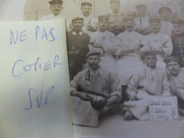 RARE CARTE PHOTO PRISONNIERS ALLEMANDS AU CHATEAU D OLERON LES CUISINIERS EN 1914/15 WW1 - Ile D'Oléron