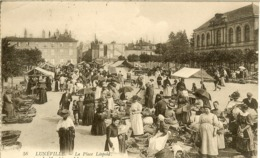 LUNEVILLE - LA PLACE LEOPOLD - LE MARCHE - - Luneville