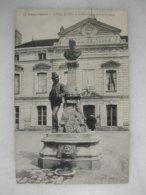 LONGJUMEAU - L'hôtel De Ville Et Le Monument Adolphe Adam - Longjumeau