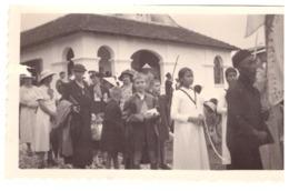 """INDOCHINE """"ROGER ET SA GRAND-MERE A LA PROCESSION DE LA FETE DIEU A CHAPA 14 JUIN 1936 - Orte"""