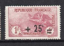 YT 168 ORPHELINS 2EME SERIE NEUF AVEC LEGERE TRACE DE CHARNIERE COTE 36 € - Francia