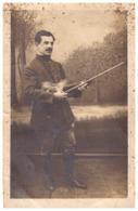 """""""SOUVENIR DE MON PASSAGE A JUJURIEUX LE 4 JUILLET 1918""""   Carte Photo   MILITAIRE TIENT VIOLON ET ARCHET - Krieg, Militär"""
