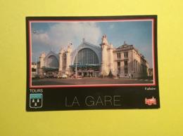 Tours Gare TGV Et Bâtiment Historique SNCF - Gares - Sans Trains