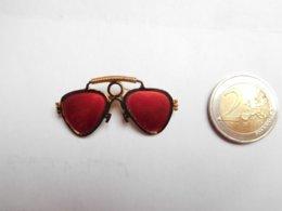 Belle Broche ( No Pin's ) , Paire De Lunettes , Optique - Pin's & Anstecknadeln