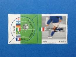 2002 ITALIA FRANCOBOLLI NUOVI STAMPS NEW MNH** DITTICO CALCIO MONDIALI ITALIA CAMPIONE DEL MONDO - 2001-10: Nieuw/plakker