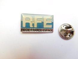 Beau Pin's , RFE Régie France Espace - Autres