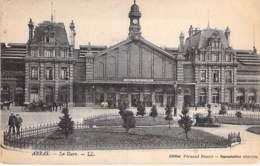 62 - ARRAS  : La Gare ( SNCF ) - CPA - Pas De Calais - Stations - Zonder Treinen