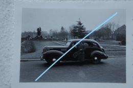 Photo GENT Auto Op Een Straat Circa 1935-40 Automobile Opel ? - Plaatsen