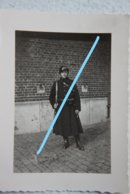 Photo GENDARME RIJKSWACHT Gendarmerie Circa 1930-40 Uniforme Casque Holster Fusil - Oorlog, Militair