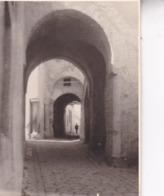 TUNISIE Tunis Ambiance De Rue La Médina Septembre 1923 Photo Amateur Format Environ 7,5 Cm X 5,5 Cm Tirage Des Années 30 - Luoghi
