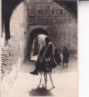 TUNISIE TOZEUR Ambiance De Rue 1923 Photo Amateur Format Environ 7,5 Cm X 5,5 Cm Tirage Années '30 - Lieux