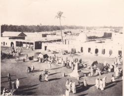 TUNISIE TOZEUR Marché 1923 Photo Amateur Format Environ 7,5 Cm X 5,5 Cm Tirage Années '30 - Lugares