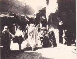 ALGERIE AURES KHANGA SIDI OKBA Ambiance De Rue 1923 Photo Amateur Format Environ 7,5 Cm X 5,5 Cm Tirage Années '30 - Orte