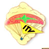 Pin's ITV - Parachute Ou Parapente - Zamac - Coinderoux Corner - I747 - Parachutting