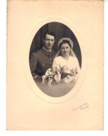Très Beau Portait. Couple De Jeunes Mariés.  Photographe De Provins - Anonyme Personen
