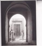 TUNIS La Médina Tunisie Ambiance De Rue 1923 Photo Amateur Format Environ 7,5 Cm X 5,5 Cm - Orte