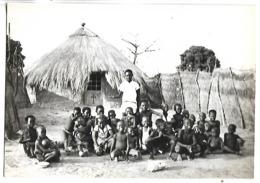 TCHAD - Catéchisme Devant La Première Chapelle De Brousse De La Région De Fort-Archambault - Tschad