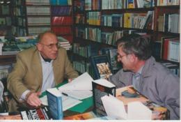 LESNEVEN -  Carte Photo Couleur - Librairie St Christophe, Roland BOHN En Dédicace Avec M. Lichou Du Télégramme - Lesneven