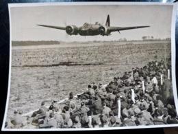 PHOTO Presse WW2 WWII : BRISTOL BLENHEIM IV à ANGLIA _ 1942 _ RAF _ ROYAL AIR FORCE - Guerra, Militares