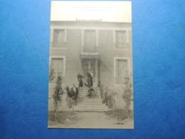 CPA  LOUBERAC  VILLA TRINTIGNAC   PAR GRANDRIEU    LA FAMILLE AU COMPLET POSE DEVANT LA MAISON  1915  TTB - Sonstige Gemeinden