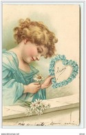 N°2934 - Carte Gaufrée - Fillette Avec Des Marguerites Et Un Coeur En Myosotis - Autres
