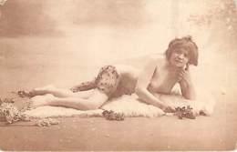 NU - FEMME NUE SUR PEAU DE MOUTON - Artistic Nudes (1960-…)