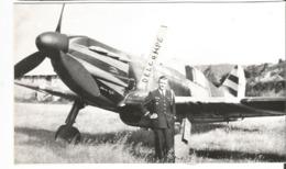 PHOTO AVION DEWOITINE D520 AVEC PLOTE POSANT DEVANT  PHOTO COLLé SUR SUPPORT      17X11CM - 1946-....: Ere Moderne