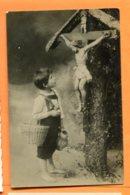 LAC098, Petit Garçon Avec Un Panier Admirant Le Christ, Jésus, Circulée 1906 - Autres