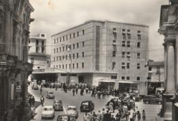 Cartolina - Postcard /  Viaggiata - Sent / Catanzaro, Piazza Prefettura. ( Gran Formato ) Anni 50° - Catanzaro