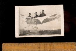Photo Carte De Foire Fête Foraine Photo De Stand Forain 3 Soldats Dans Un Avion Aéroplane Military Aircraft Fun Picture - Guerre 1914-18