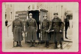 Cp Photo - Portrait De 4 Militaires Pompiers - Militaire - Firemen - Brandweer - Feuerwehr - Vigili Del Fuoco - Guerre 1914-18