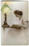 CPA Femme ( Belle Lampe) - Women