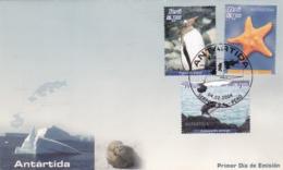 PERU - ANTARTIDA. PYGOSCELES PAPUA, ASTEROIDIA SP, LEUCOCARBO ATRICEPS. 2004 FDC SOBRE PRIMER DIA  -LILHU - Perú