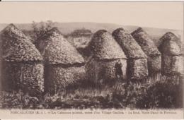 821... Forcalquier - Les Cabanons Pointus, Restes D'un Village Gaulois - Au Fond, Notre-Dame De Provence - France (04) - Forcalquier