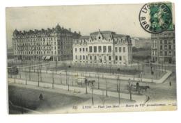 CPA 69 LYON PLACE JEAN MACE MAIRIE DU VIIeme - Lyon
