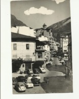 ANDORRE . ANDORRA LA VELLA . PLACE DU PRINCE BENLLOCH . VOITURE COCCINELLE . PEUGEOT 404 . 403 .  . TRACTION - Andorre
